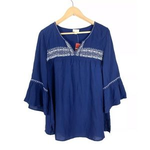 NWT Avenue Blouse Top Blue Bell Sleeve Size 14/16